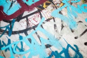 Existuje nějaký nátěr jako prevence proti graffiti?