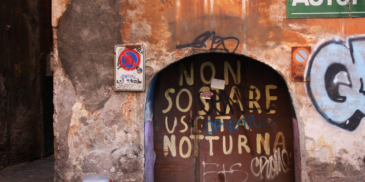 Sprejeři se ničeho neštítí, ani historické budovy nejsou v bezpečí