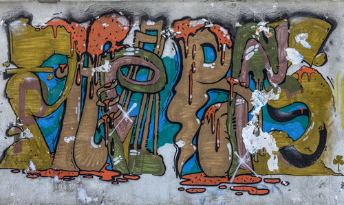 """Graffiti může postihnout jakékoli místo, proto je lepší se pojistit ochranným nátěrem. """"Antigraffitová ochrana Praha"""""""