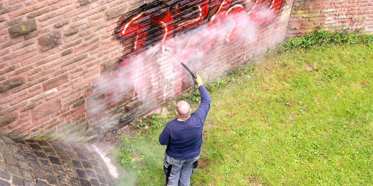 Graffiti a historické památky, to je spojení, o které rozhodně nemáte zájem
