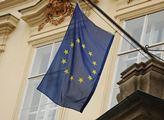 Někteří politici si dokazují svou velikost tím, že v zahraničí plivou na svou zemi. Expert na EU odhaluje, co další integraci pohřbí