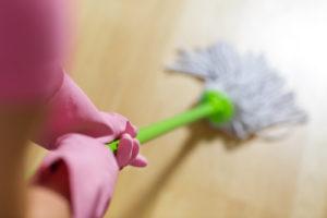 čím vyčistit podlahu